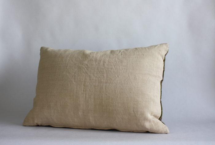 aso oke cushion